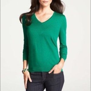 ANN TAYLOR 100% CASHMERE V NECK SWEATER SMALL